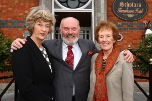 Soroptimist members with Senator David Norris