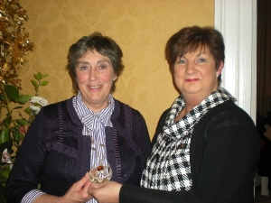 L-R: Dorothy Collins, incoming President of Drogheda Soroptimists and Geraldine Piggott, outgoing President of Drogheda Soroptimists, March 2011